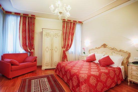 Hotel San Luca Hotel