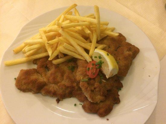 Gasthaus Sonne: Wiener Schnitzel mit Pommes