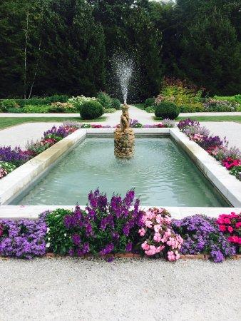 เลอโนซ์, แมสซาชูเซตส์: The Mount gardens