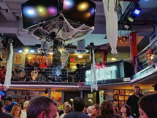 New York Restaurant Broadway Singers