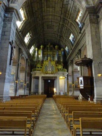St-Rémy-de-Provence, Francia: zicht op het orgel