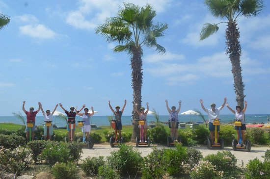 Paphos Segway Tour: 9 happy Segway fanatics!