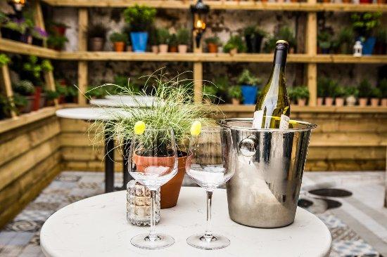 Drogheda, Irlanda: Wine