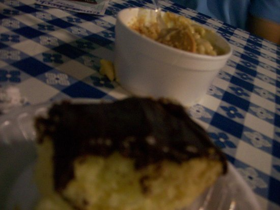 Warrenton, Carolina del Norte: Yummy Banana Pudding and Chocolate Cake