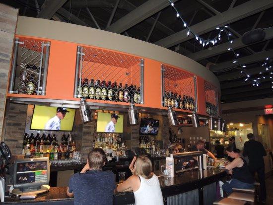 Jasper Brewing Company: Interior