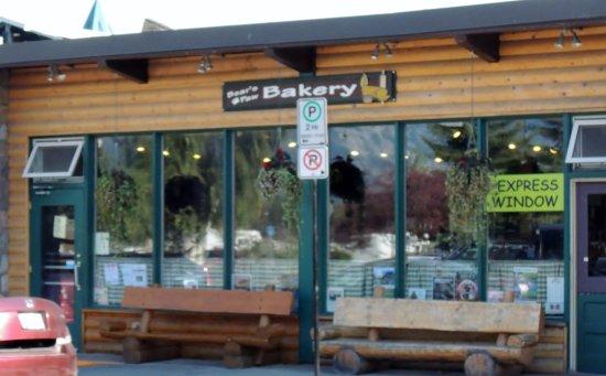 Bear's Paw Bakery: The Bear Paw