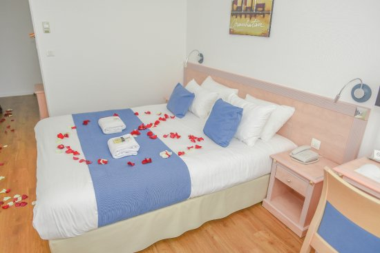 Chambre Avec Petales De Rose Deco Avec Supplement 10 Euros