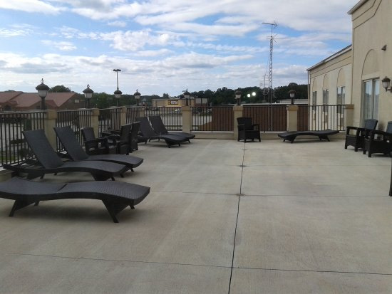 Comfort Suites Fort Wayne: Access to rooftop lounge