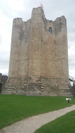 Conisbrough Castle: from anear