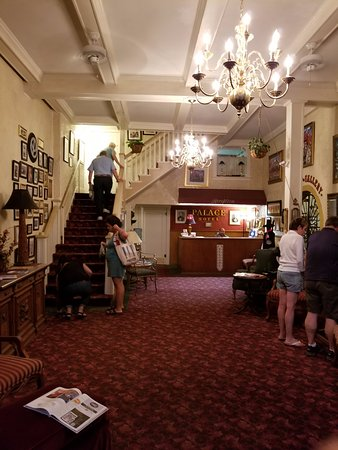 Palace Hotel: Struggling up the giant staircase (no elevator)