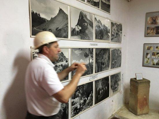Rosia Montana, Romania: Fotocollage binnen