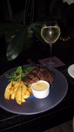 Cliff House Hotel: My steak bar meal - lush!!