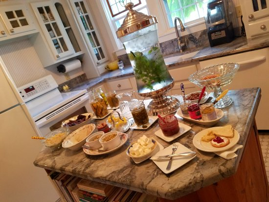 Yelton Manor Bed and Breakfast: 20170903_162040_large.jpg