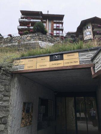 Coeur des Alpes: Entrance