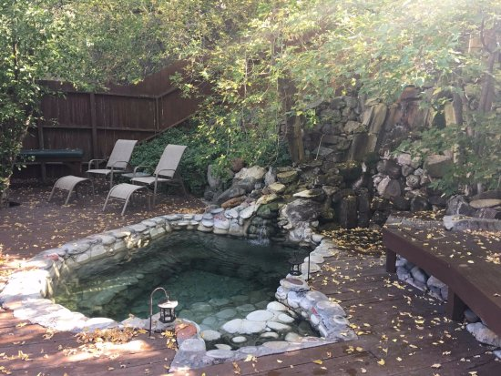 Wiesbaden Hot Springs Spa & Lodgings: Private tub