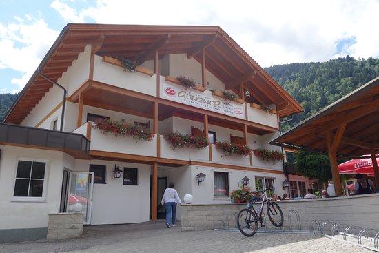 Afritz, Austria: מבנה המסעדה. אפשר ומומלץ לשבת בחוץ