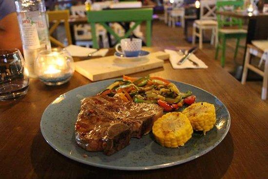 Bistro salt pepper supetar restaurant avis num ro de for Tapis de cuisine salt pepper