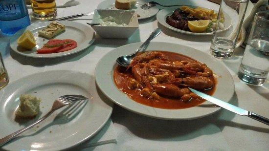 Μεσολόγγι, Ελλάδα: Halloumi, tzatziki, grilled octopus, shrimps saganaki