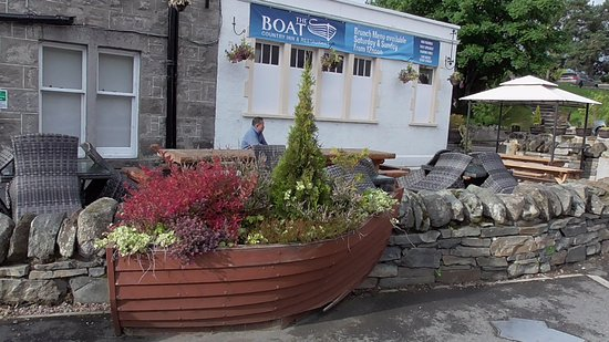 Boat of Garten, UK: Beer garden