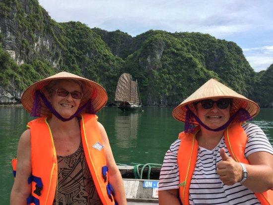 Compagnon Voyage: à la baie Halong