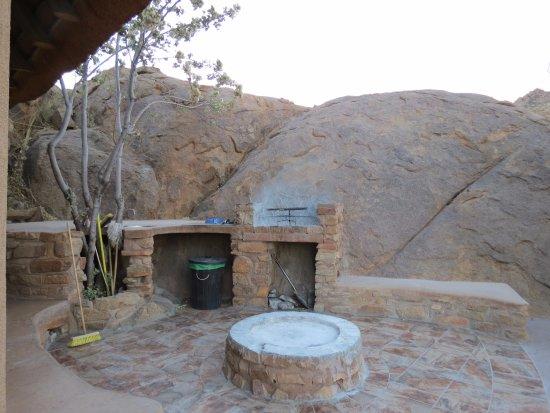 Namibgrens Guest Farm : fire pit area