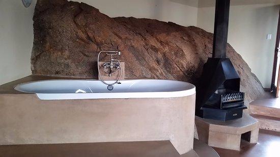 Namibgrens Guest Farm : large bathtub