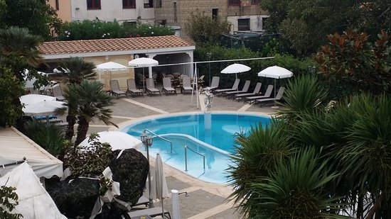 Hotel Sant'Agata: Pool area of this wonderful hotel
