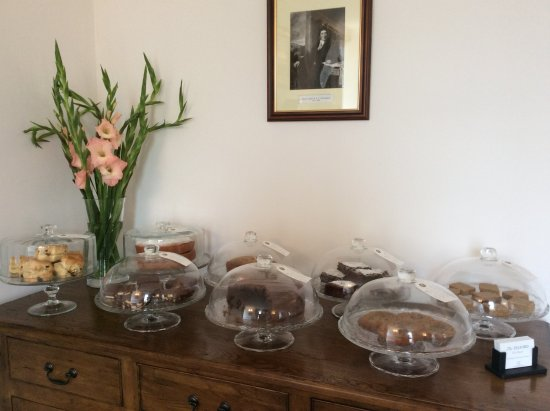 Staffin, UK: Home baked cakes at The Telford Tea Room
