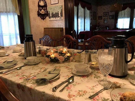 Blooming Grove, NY: Elegantly set breakfast table