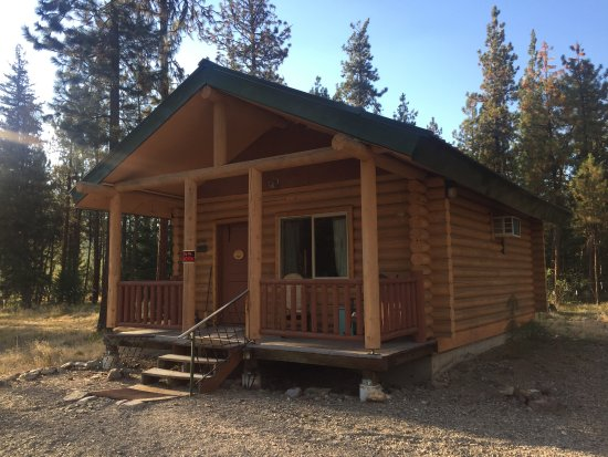 Superior, MT: The Grizzly Cabin
