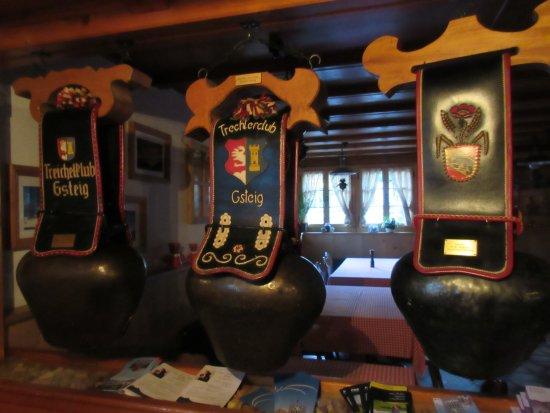 Gsteig, İsviçre: in the dining room