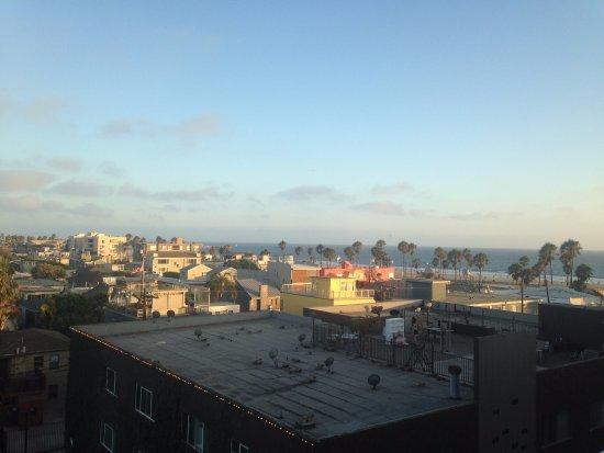 Hotel Erwin: View of beach from top floor room