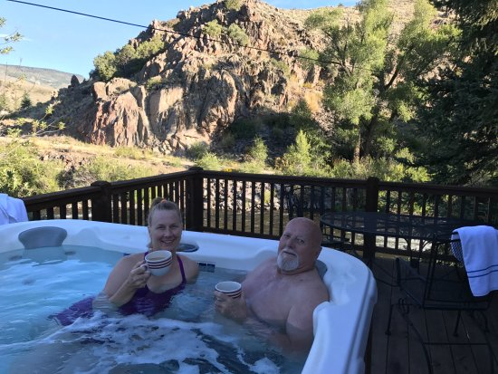 Three Rivers Resort : Some of the cabins have hot tubs!