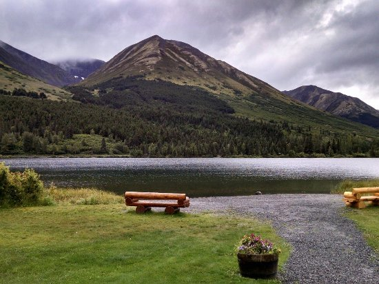 Moose Pass, AK : Summit Lake Seating Area