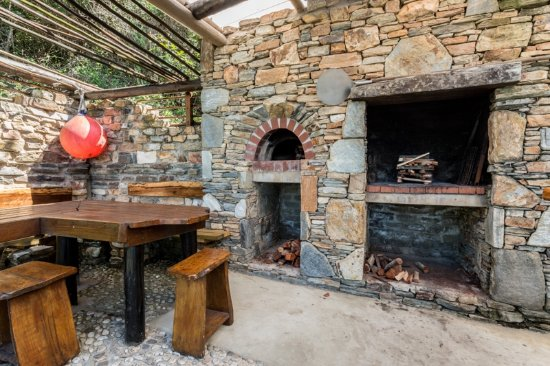 Wilderness Bushcamp : The Lapa - braai and pizza oven