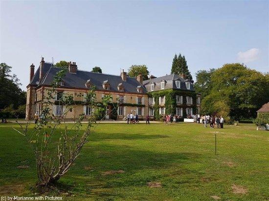 hébergement : Vue générale du château et du parc