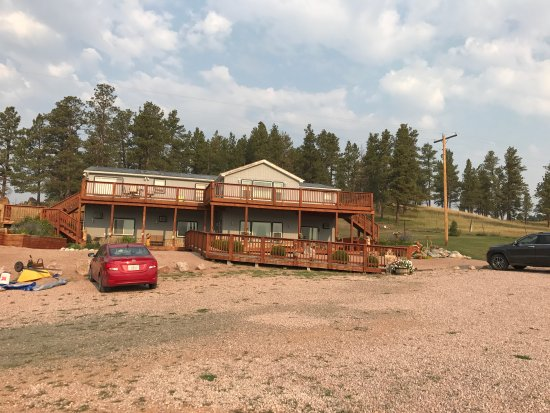 Sawin' Logs: How this lodge looks..