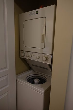 Times Square Suites Hotel: Washer/Dryer combo