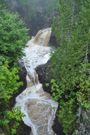 Lutsen, MN: Cascade River Fall