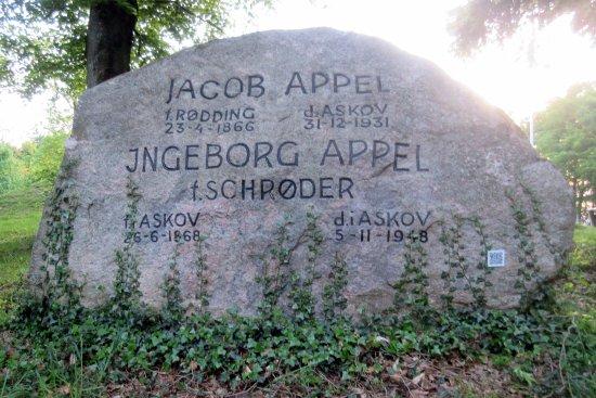 Monumentparken i Skibelund Krat