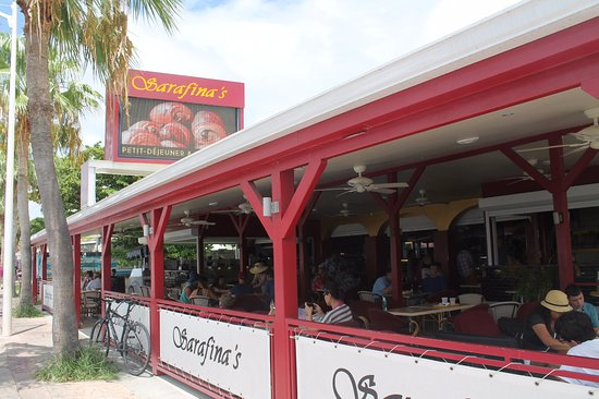 Sarafina's: Open air seating