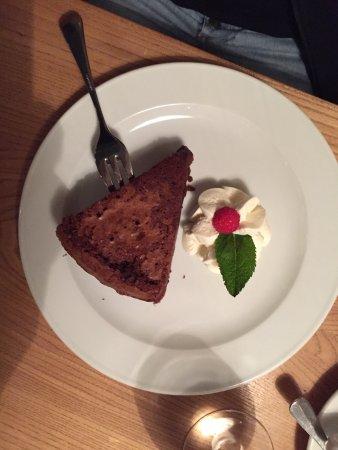 Schiff Hotel Restaurant Bar: Wer die Desserts verpasst dem ist nicht mehr zu Helfen , ein muss da die verschiedenen Dessert e