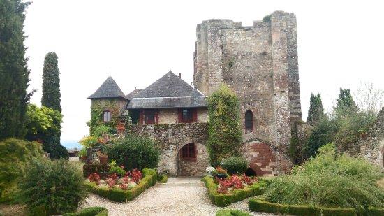 Turenne, Francia: P_20170904_101128_HDR_large.jpg