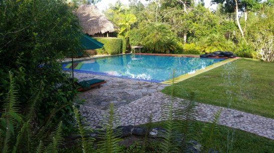 Blancaneaux Lodge: A nice shot of the pool