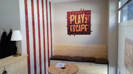Play2Escape