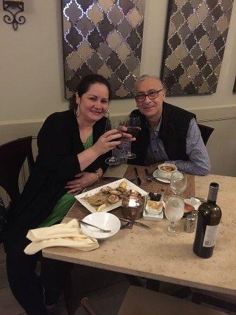 Valley Stream, Nova York: Truffle Restaurant and Bar
