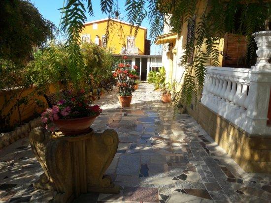 Oikos Vacanze: Giardino
