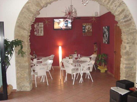 Niscemi, Italie : Nixenum Cafe