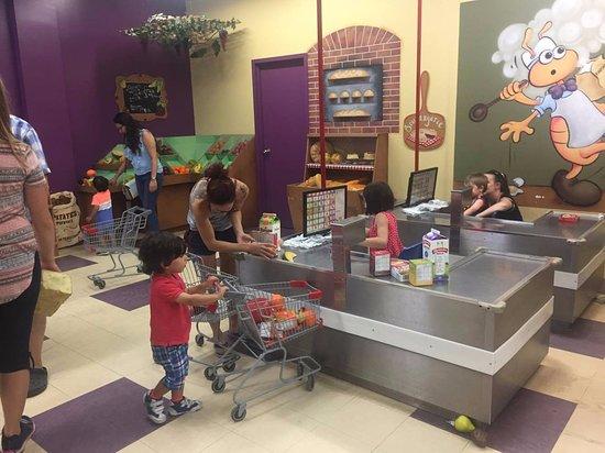 Musee Pour Enfants: Zone épicerie