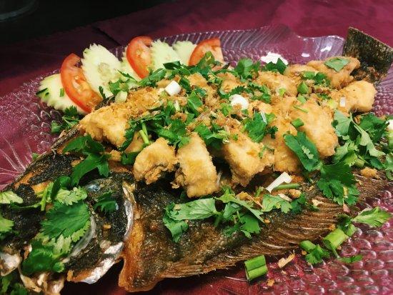 Thai Arroy: Pla Kra Tiem (Flounder Garlic)